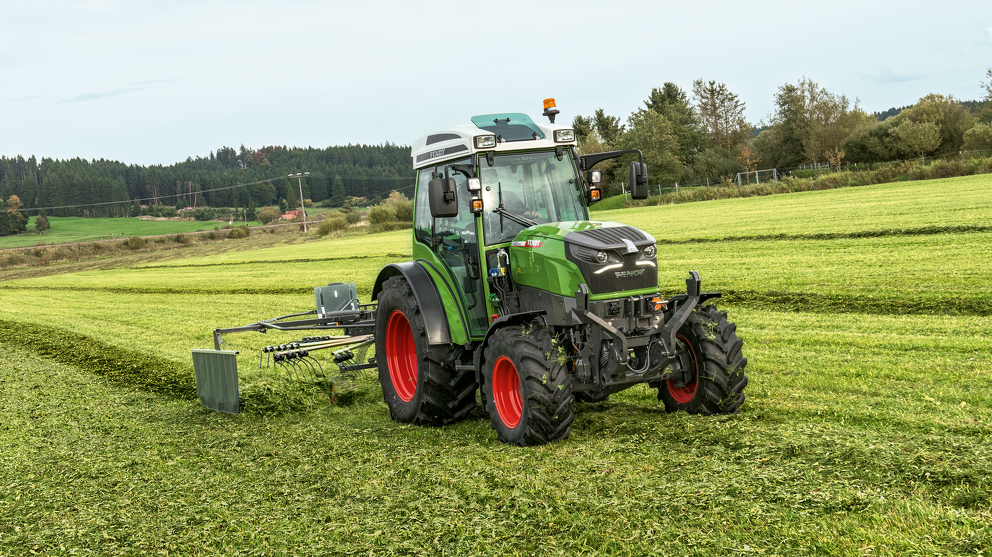 Fendt e100 electric tractor